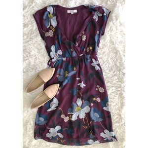 LOFT plum+blue floral v-neckshort sleeve dress